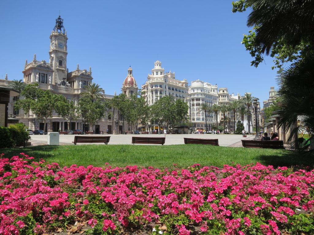 Der Rathausplatz von Valencia