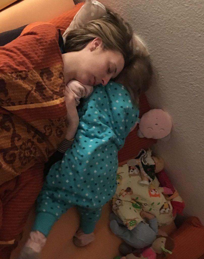 Kinderschlaf im Familienbett