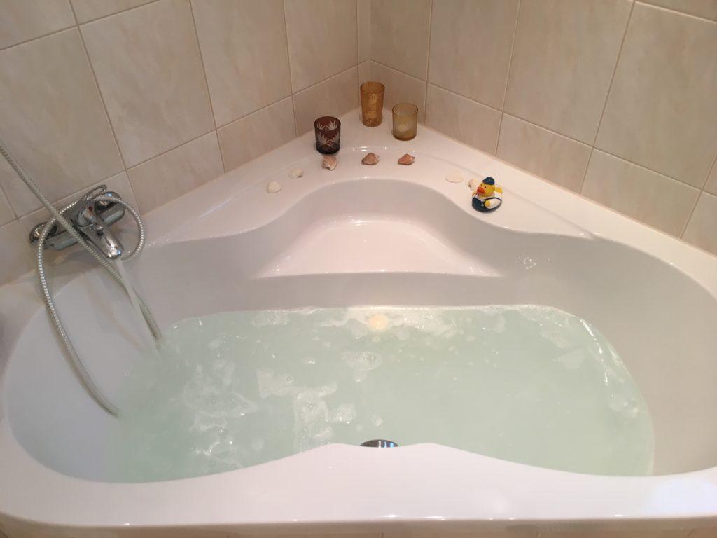 Mama-Auszeit in der Badewanne für bessere Laune
