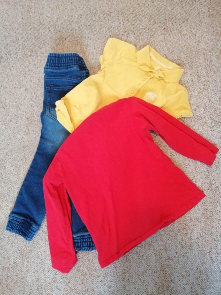 bunte Kleidung