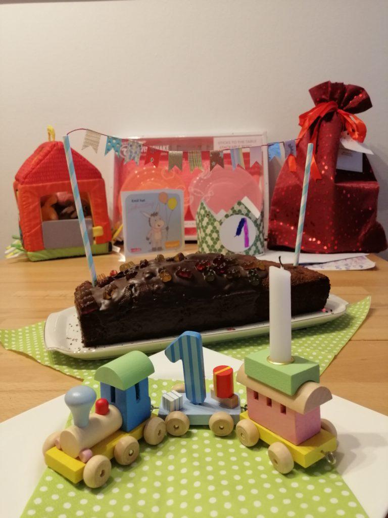 Spielzeug für Einjährige und Geschenkideen zum ersten Geburtstag