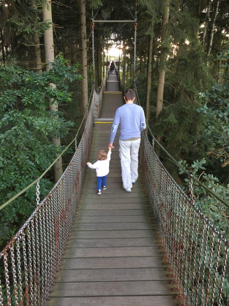 Auszeit nehmen - Papa übernimmt das Kind